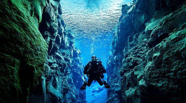 Begini Serunya Diving di Dua Lempeng Benua