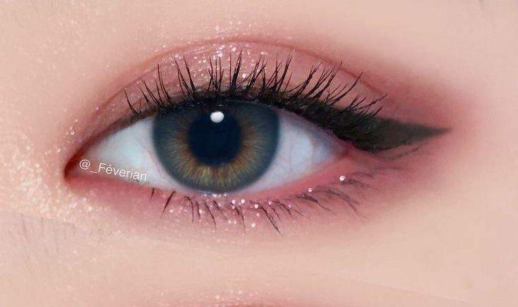 8 Referensi Eye Makeup Look Sehari-hari, Natural Banget!