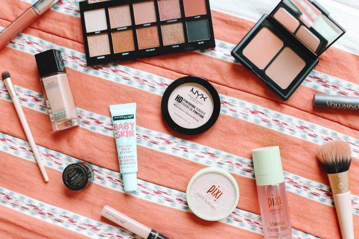 5 Tips Merawat Kulit Berminyak Agar Makeup Tahan Lama