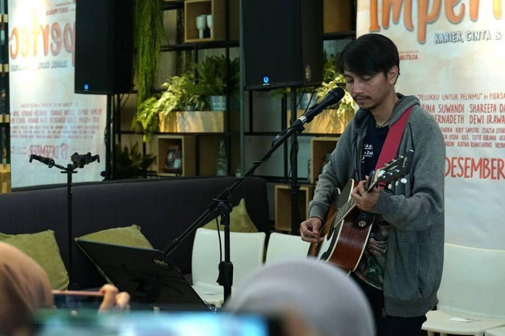 Ernest Prakasa Gaet Musisi Muda untuk Soundtrack Film 'Imperfect'