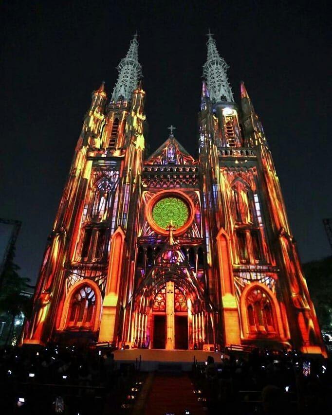 10 Potret Cantik Gereja Katedral Jakarta Memperingati Sumpah Pemuda