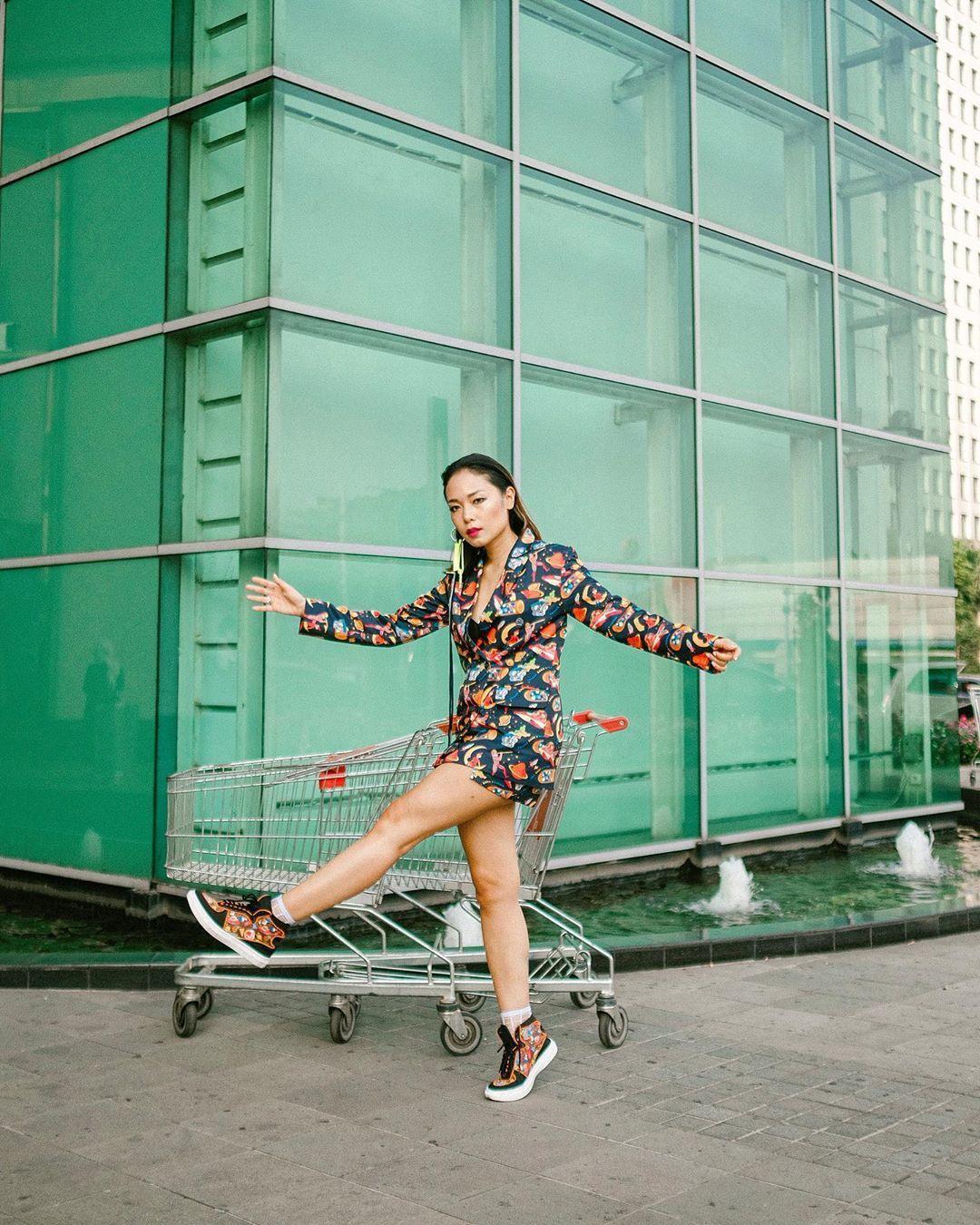 Gaya Selebgram Indonesia saat Datang ke Jakarta Fashion Week 2020