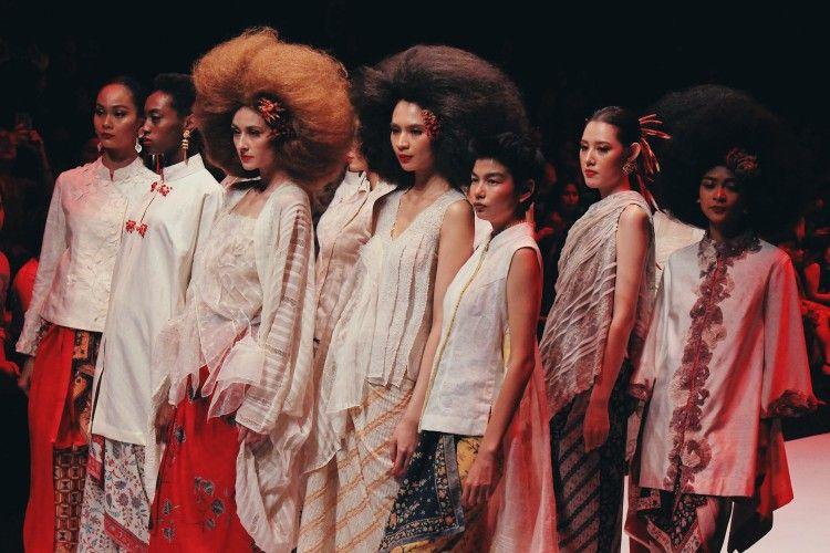 20 Separagraf Review dari Jakarta Fashion Week 2020