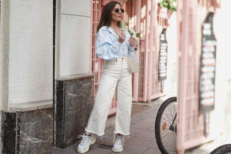 Trik Jitu Mencuci Jeans Putih Supaya Tetap Awet!