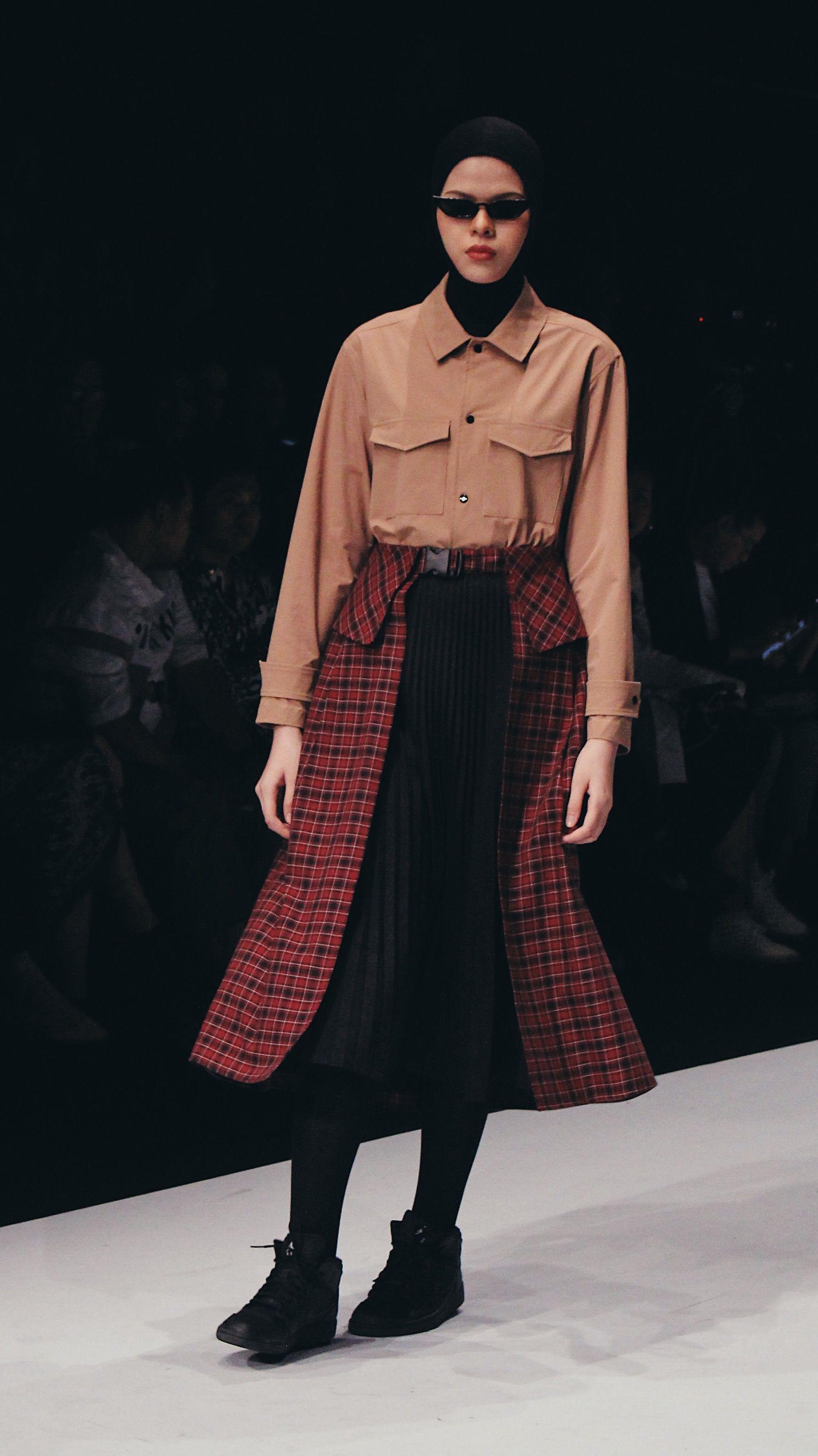 Trend Fashion Hijab Terbaru Dari Jakarta Fashion Week 2020