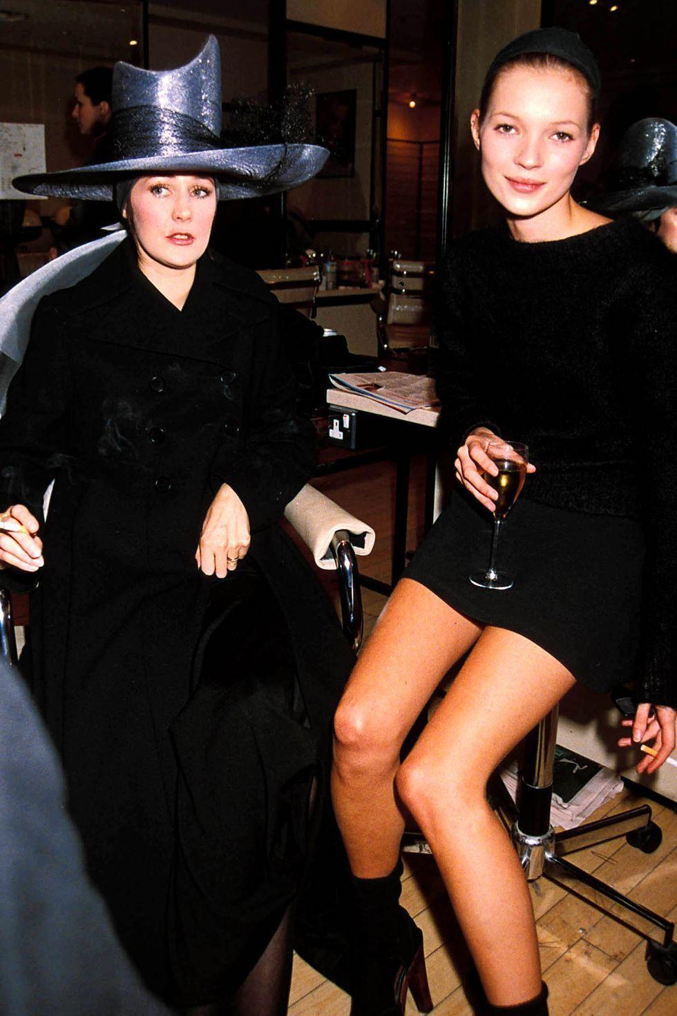 Inspirasi Gaya Baju Pesta dari Tahun 90an yang Seru Banget!