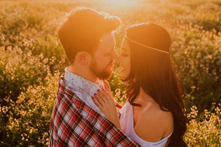 Ketahui Perbedaan Cinta dan Sayang