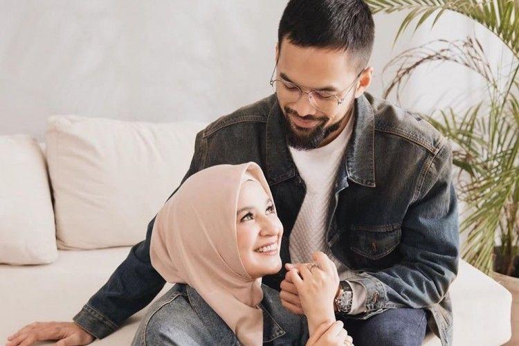 10 Potret Bahagia Artis dengan Pasangannya yang Keturunan Arab
