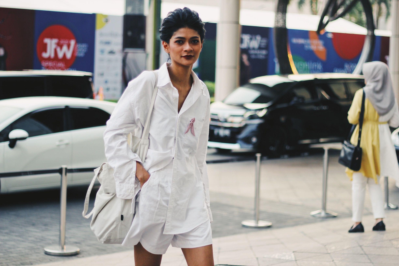 Potret Street Style di Jakarta Fashion Week 2020