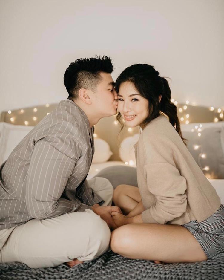 7 Pasangan Seleb yang Pre-Wedding di Atas Kasur, Bisa Ditiru Nih!
