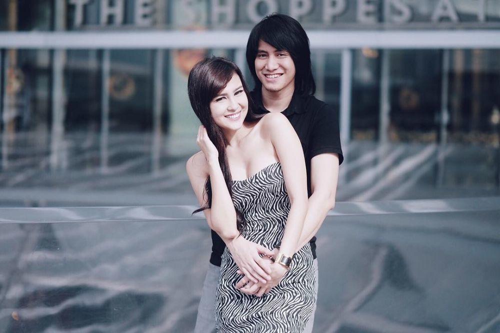 Sering Dicibir Netizen, 7 Pasangan Artis Ini Tetap PeDe Tampil Mesra