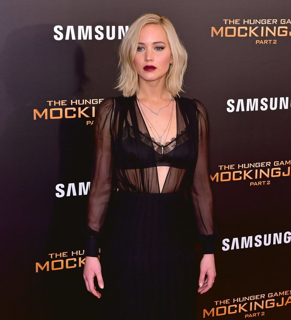 Gaya Seksi Jennifer Lawrence yang Memesona