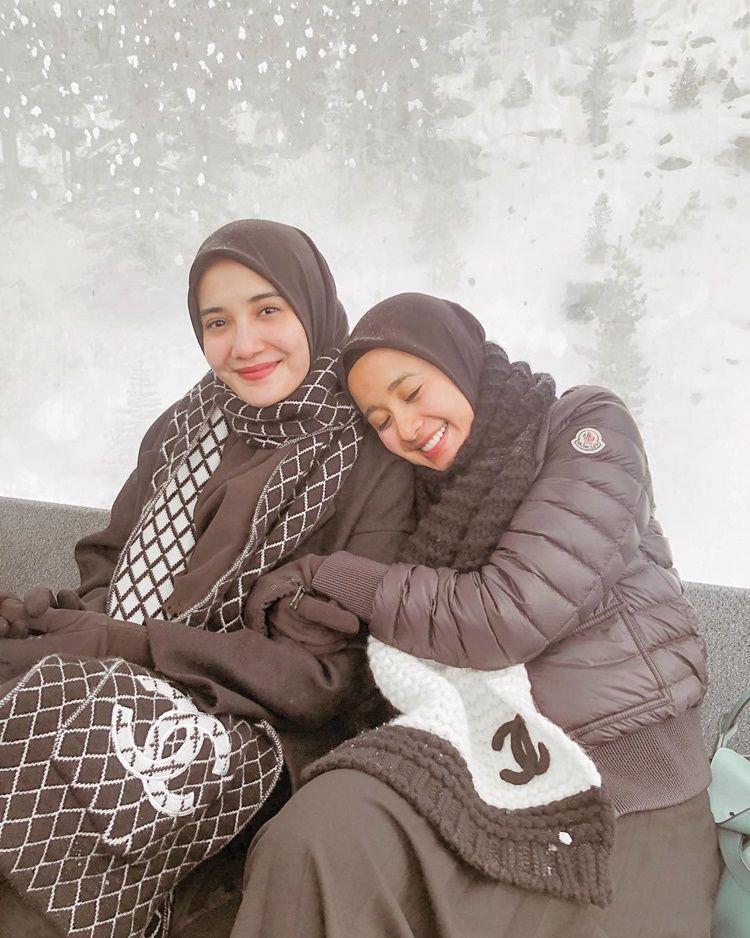 Gemas! Intip 10 Momen Persahabatan Laudya Cynthia Bella-Zaskia Sungkar