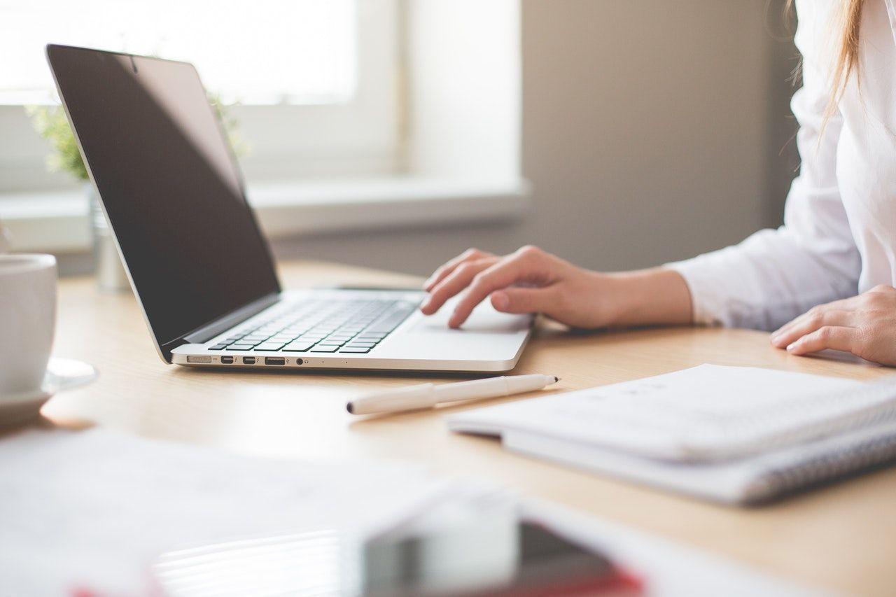 4 Kondisi Yang Perlu Diperhatikan Saat Gunakan Media Sosial Di Kantor