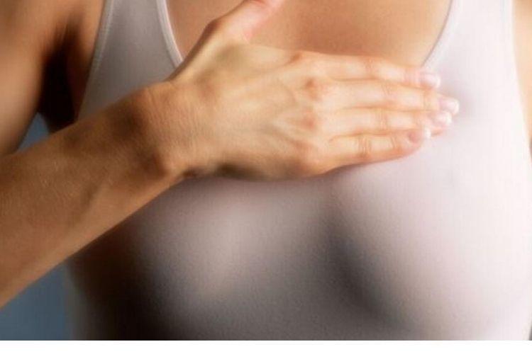 7 Penyebab Payudara Terasa Gatal, Bisa Jadi Tanda Awal Kanker Lho