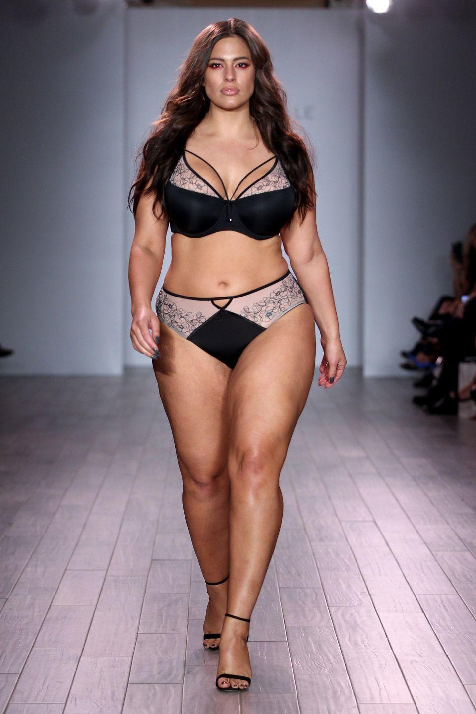 10 Supermodel Pakaian Dalam yang Paling Populer