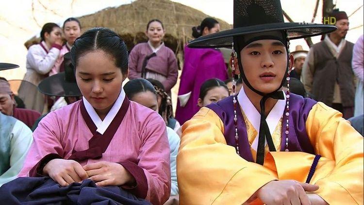 6 K-Drama Ini Mengangkat Kisah Cinta Pertama yang Sulit Dilupakan