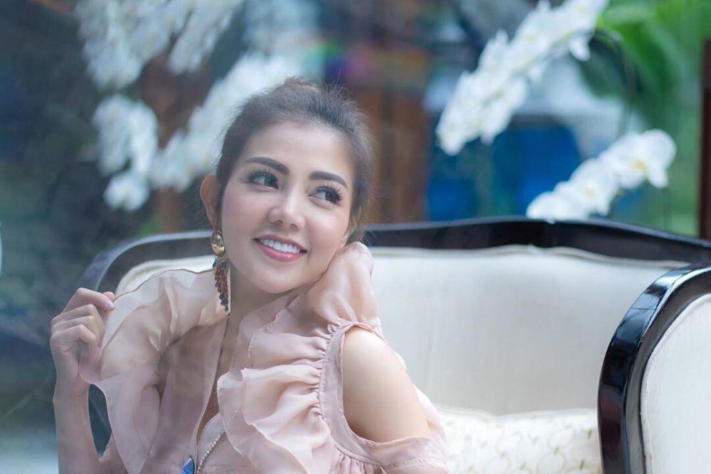 Bisa Cicil Rumah, Ini Jumlah Uang Belanja 5 Artis Indonesia