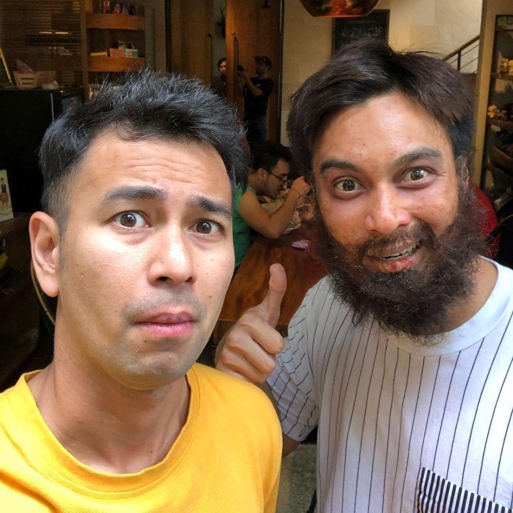 10 Penampilan Baim Wong Jadi 'Orang Gila' Bagi-bagi Duit di Jalanan