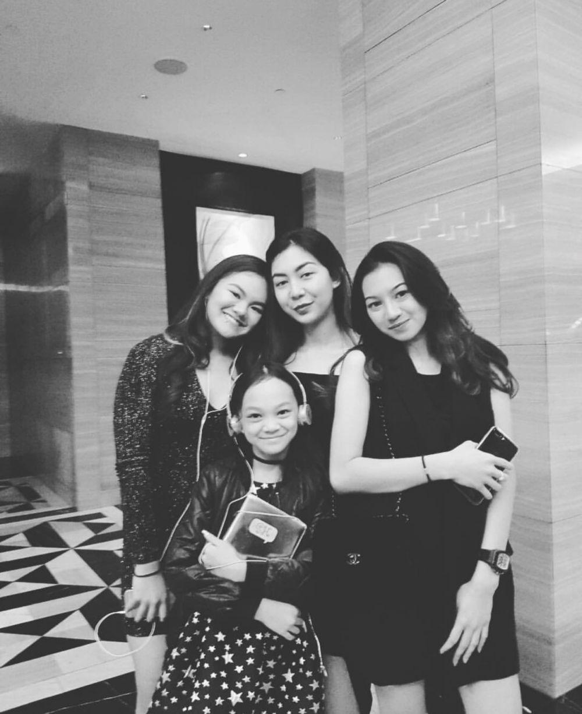 10 Potret Shafa Harris Bareng Shania & Shakilla, Sister Goals Banget!