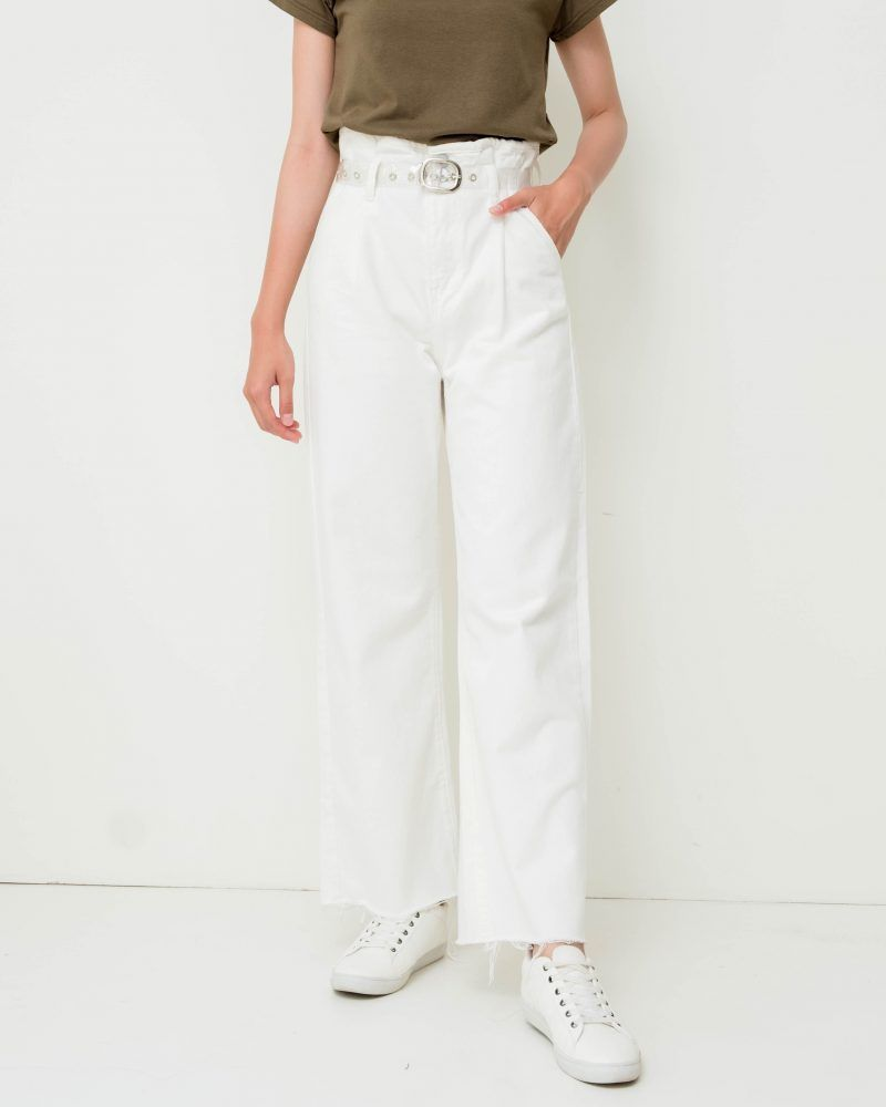 #PopbelaOOTD: Gaya Simpel Jadi Lebih Keren Pakai Celana Jeans!