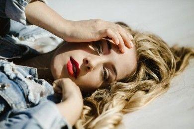 4 Cara Beri Tahu Pasangan Bercinta Lebih Baik