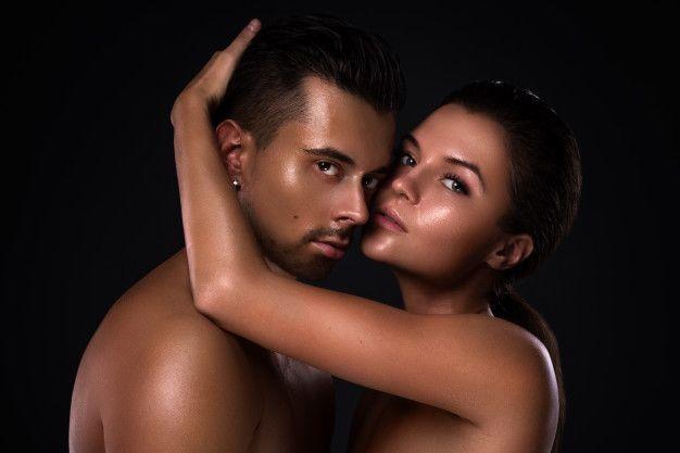 4 Cara Beri Tahu Pasangan untuk Bercinta Lebih Baik