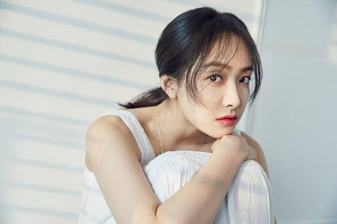 Penuh Perhatian, 8 Kpop Idol ini Mendapatkan Julukan 'Ibu' di Grupnya