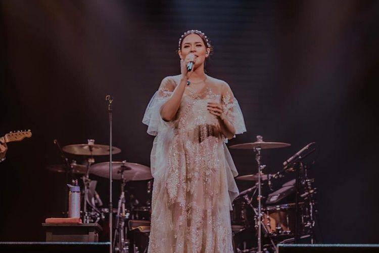 Lirik Lagu 'Kembali', Menandai Kembalinya Raisa Ke Dunia Musik