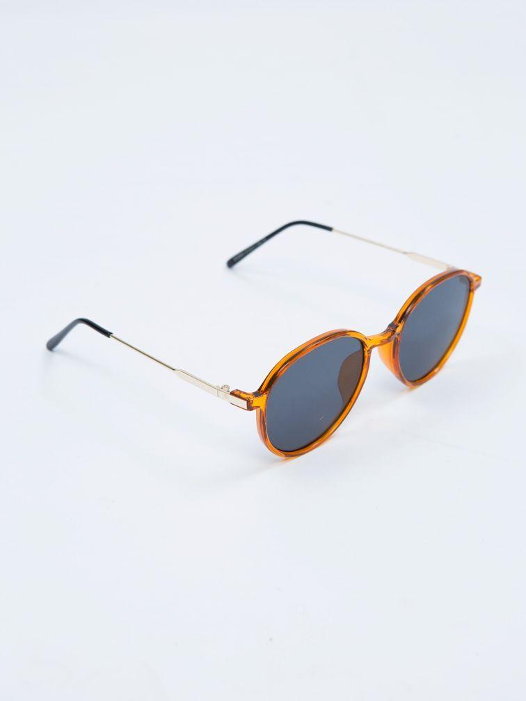 #PopbelaOOTD: Kacamata Hitam untuk Musim Panas