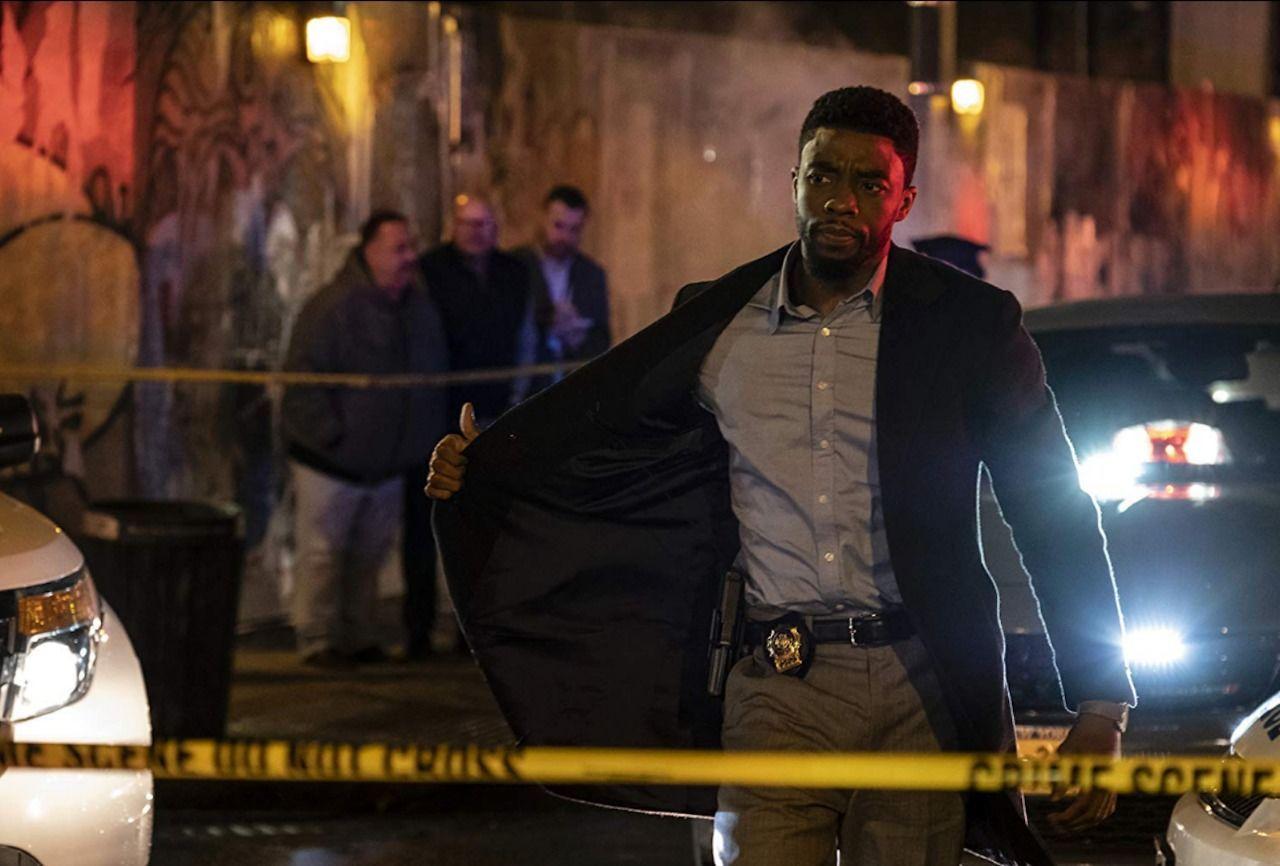 Review Film 21 Bridges Saat Chadwick Boseman Lepas Sosok Black Panther