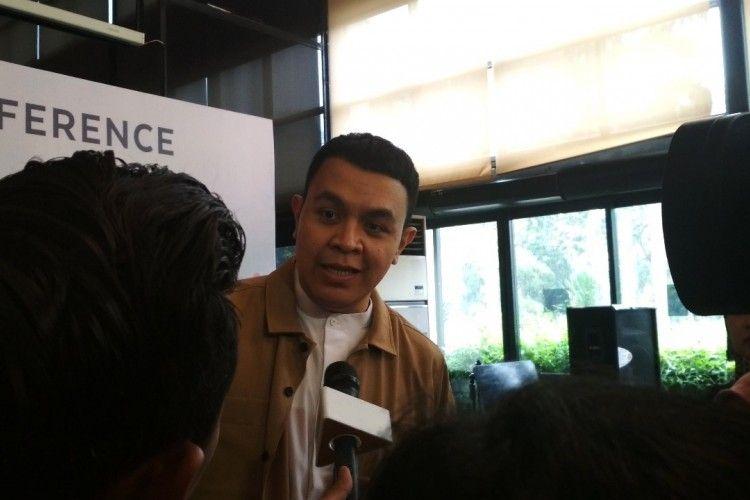 Salut! Nggak Hanya Menyanyi, Tulus Ikut Dukung Pendidikan di Indonesia