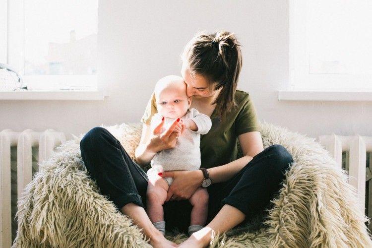 9 Cara Memijat Payudara Untuk Ibu Menyusui