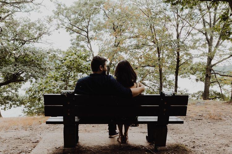 Bukan Rayuan, Ini 8 Kalimat Tanda Cowok Menyukaimu Lebih dari Teman