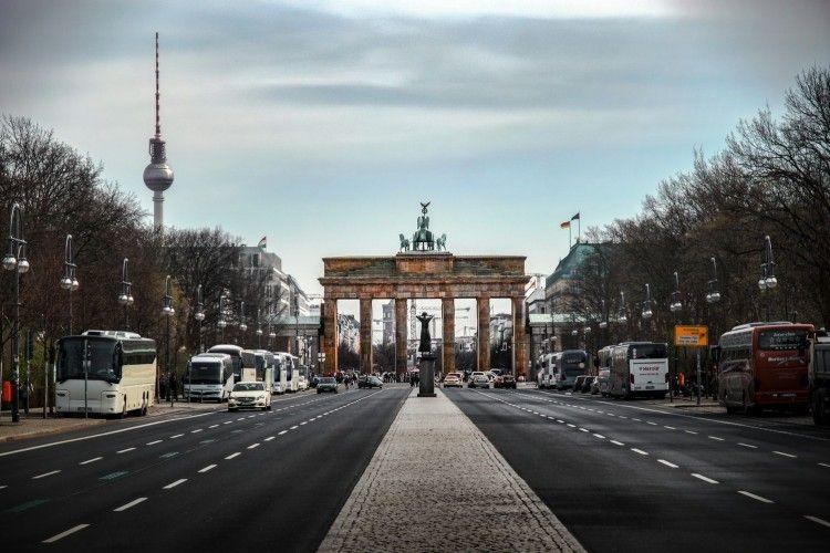 7 Hal Terlarang yang Nggak Boleh Kamu Lakukan Saat Liburan ke Jerman