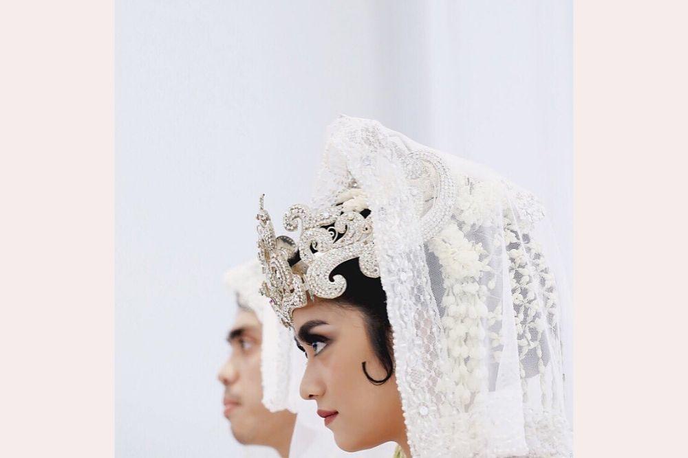 Tampil Memukau, 8 Seleb Ini Pilih Adat Sunda di Hari Pernikahannya