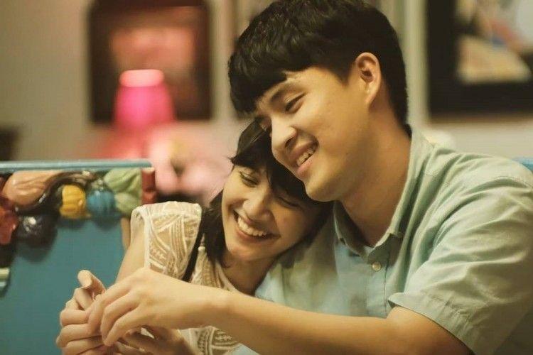 Review Film Eggnoid: Kisah Cinta Manis & Sukses Bikin Penonton Baper