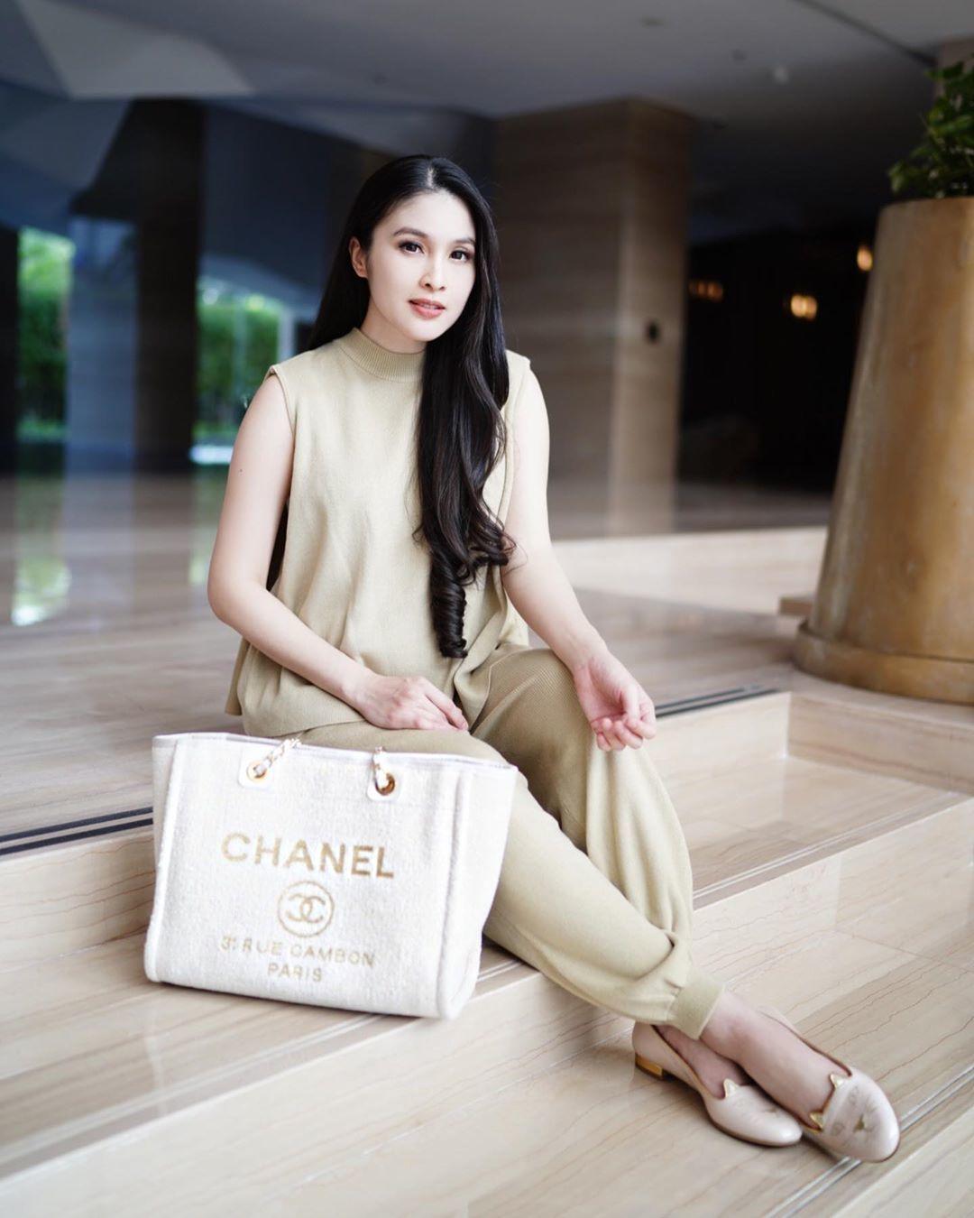 Koleksi Tas Mewah Sandra Dewi yang Harganya Bikin Kaget!