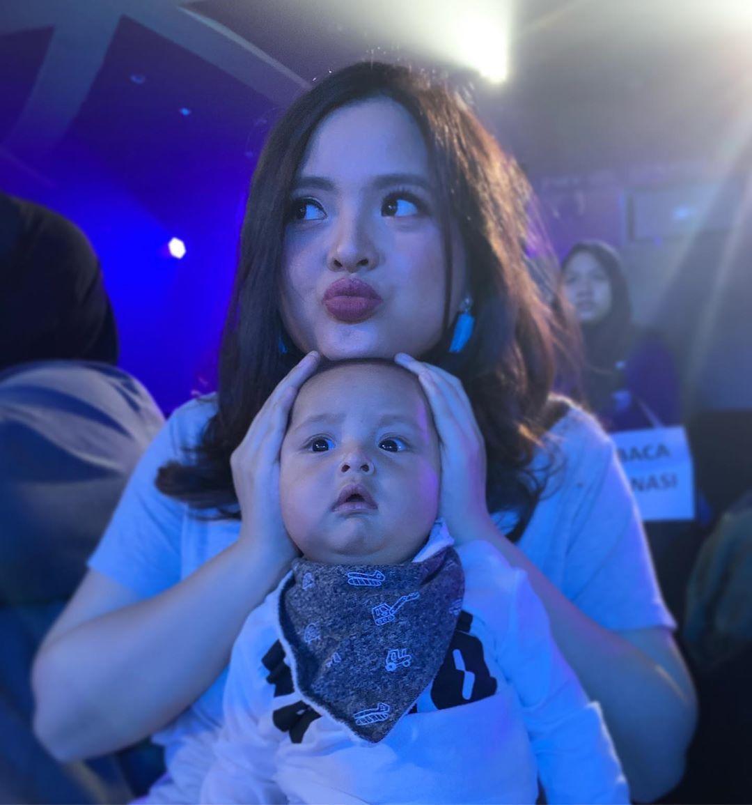Family Goals! Intip 7 Potret Manisnya Keluarga Tasya Kamila