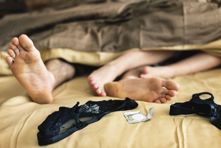7 Mitos Seks Ini Perlu Berhenti Kamu Percayai agar Bisa Menikmatinya