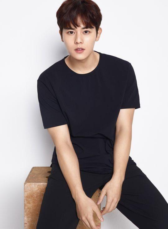 20 Idol Korea yang Diprediksi Bakal Wamil di Tahun 2020