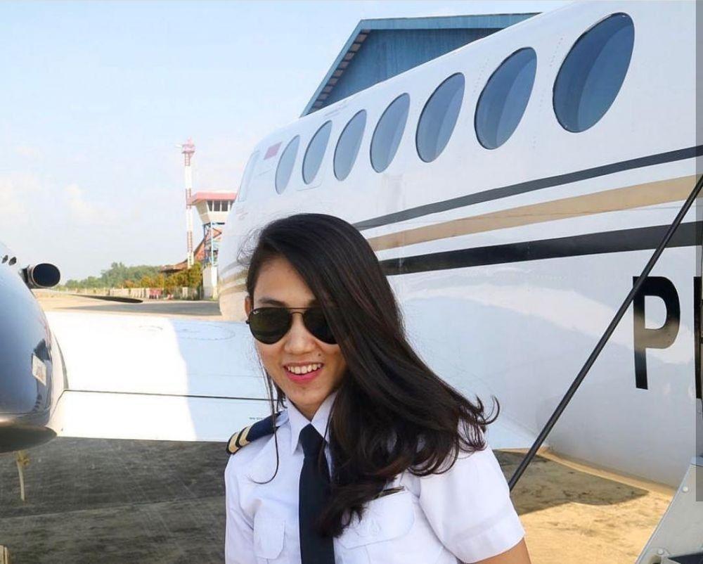 Athira Farina, Pilot Perempuan yang Jago Terbangkan Pesawat Jet