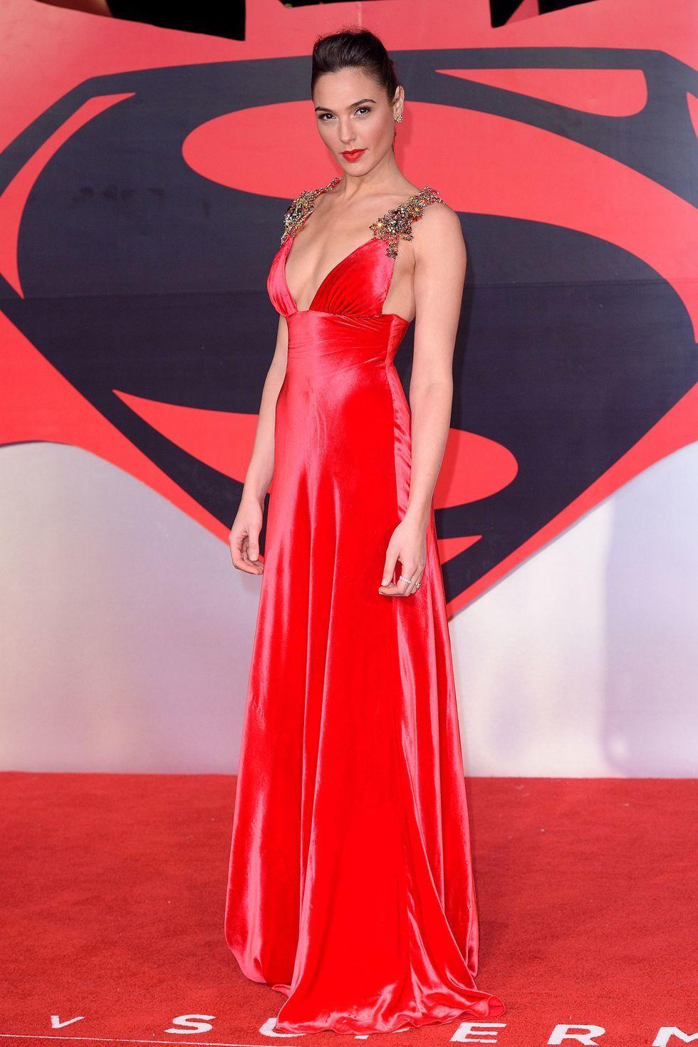 Dulu Polos hingga Jadi Super Seksi, Ini Gaya Gal Gadot di Red Carpet!