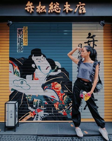 Super Instagramable, 12 Potret Seru saat Traveling a la Nazla Alifa