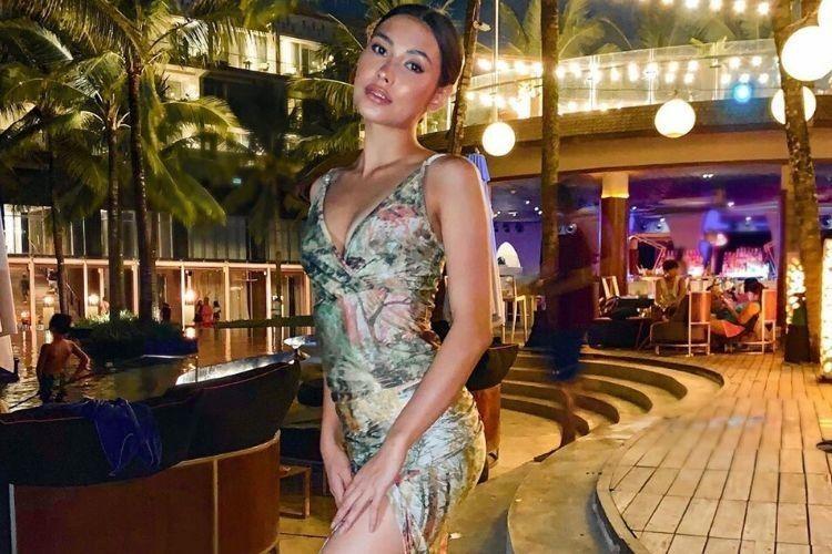 Gaya SensualFrederika Cull,Miss Universe Indonesia 2019