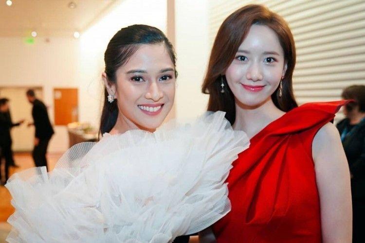 Sama-sama Menawan, Begini Gaya Makeup Dian Sastrowardoyo & Yoona SNSD
