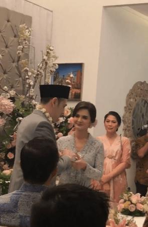 10 Potret Kebahagiaan Cut Tary & Richard Kevin di Hari Pernikahannya