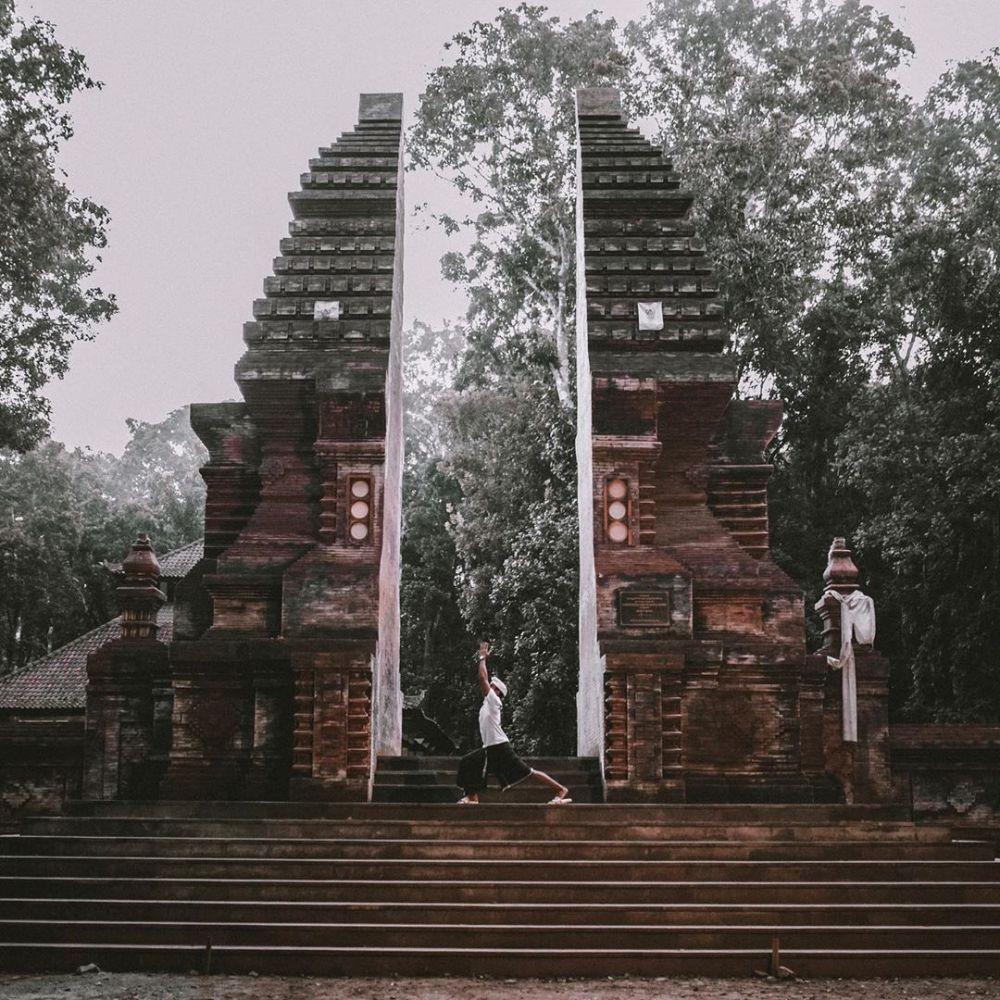 9 Destinasi Wisata Horor di Banyuwangi, Ada Patung Menari Sendiri?