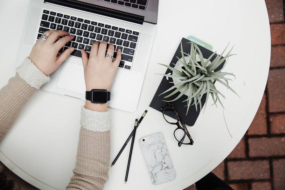 20 Kata-Kata Motivasi Kerja yang Bikin Kamu Semangat Saat WFH