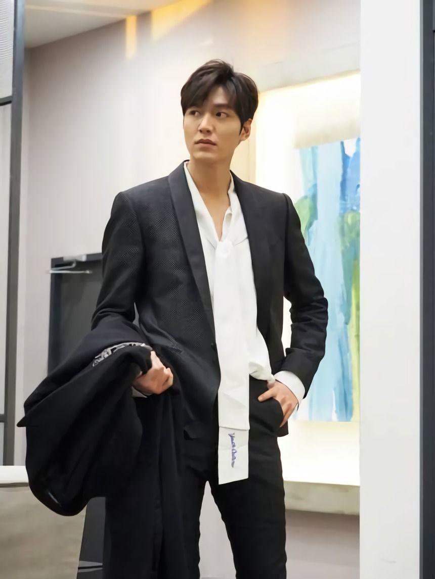 Kini Aktor Top, Intip Transformasi Karier Lee Min Ho Sejak Awal Debut